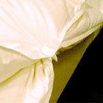 2枚合わせの羽毛布団 スナップ