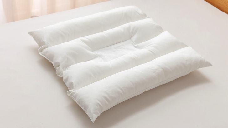 枕の中芯は、中央がくぼみ、首をしっかり支える仕様